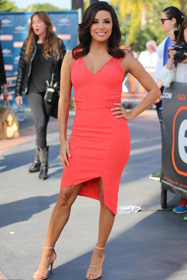 eva-longoria-on-the-set-of-extra-in-los-angeles-three-floor-zip-asymmetric-hem-coral-red-dress-2