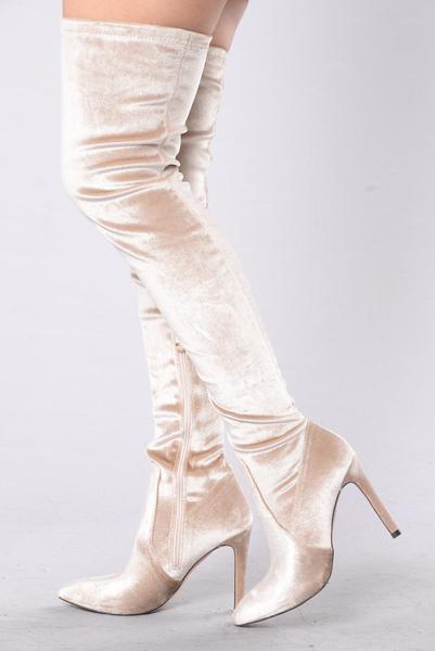 fashion_nova_12-21-16-737_grande